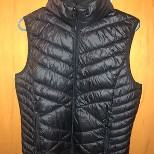 Black comfy woman's vest